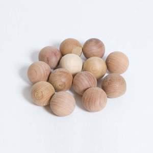 20 Cedar Moth Balls