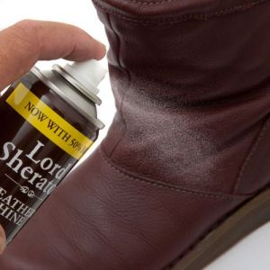 Lord Sheraton Leather Shine Spray from Caraselle