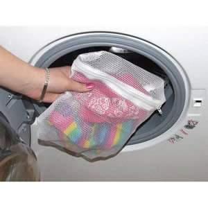 1 Child's Caraselle Zipped Net Laundry Wash Bag 26 x 22cms