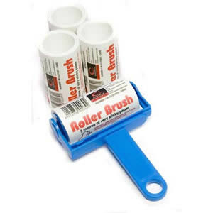 Cornflower Blue Trident Sticky Roller Brush and 3 Refills (20m of sticky paper) with adhesive surface which can be torn off & thrown away once used. Designed for removing lint, dust & animal hair from clothes & upholstery