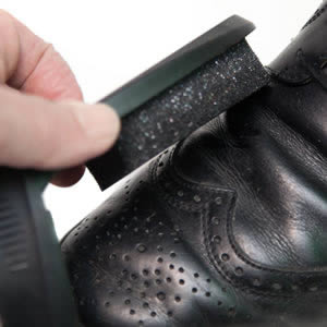 Caraselle Boston Max Black Shoe Shine Sponge in a Handy Compact Case