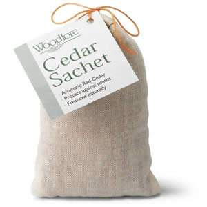 A large Sachet of Woodlore Aromatic Red Cedar Wood Chips from USA